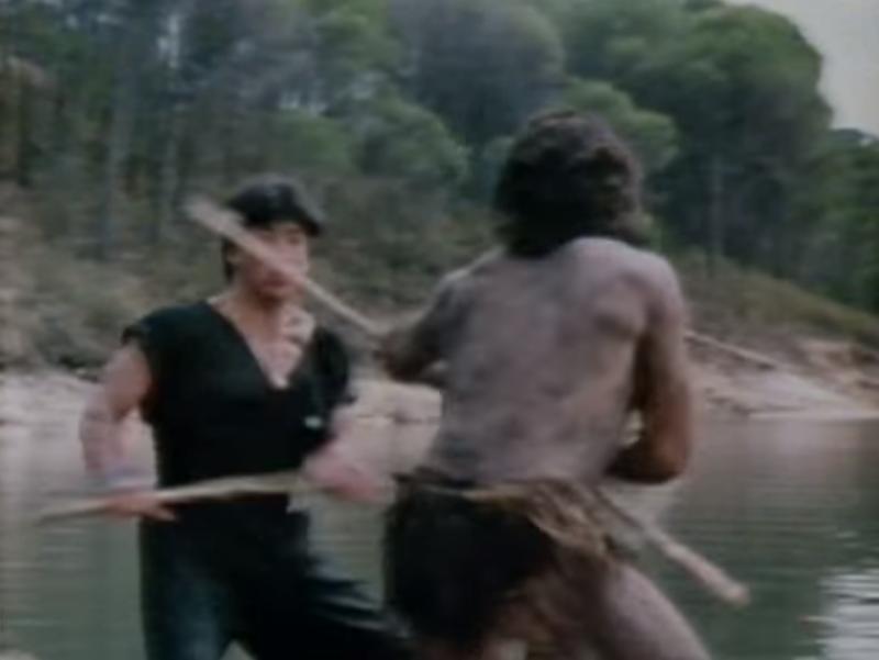 忍者設定のキャラクターが何故かアフリカの部族と戦闘