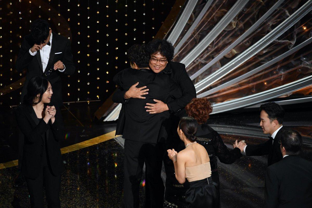 ポン・ジュノ監督の『パラサイト 半地下の家族』がアカデミー賞作品賞を受賞!英語以外の作品が取るのは初!