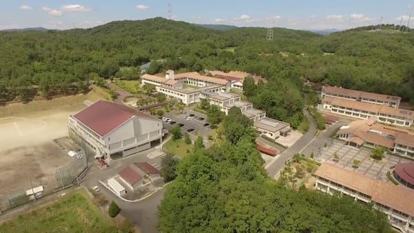 映画「ういらぶ。」のロケ地:吉備高原学園高等学校