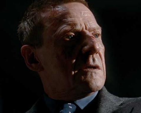 「007 慰めの報酬」の登場人物(俳優名/吹替声優名):ミスター・ホワイト(イェスパー・クリステンセン/外谷勝由)