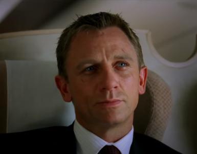「007 カジノ・ロワイヤル」の登場人物(俳優名/日本語吹き替え声優名):ジェームズ・ボンド(ダニエル・クレイグ/藤真秀)