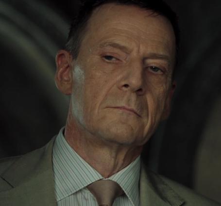 「007 カジノ・ロワイヤル」の登場人物(俳優名/日本語吹き替え声優名):ミスター・ホワイト(イェスパー・クリステンセン/大塚芳忠)