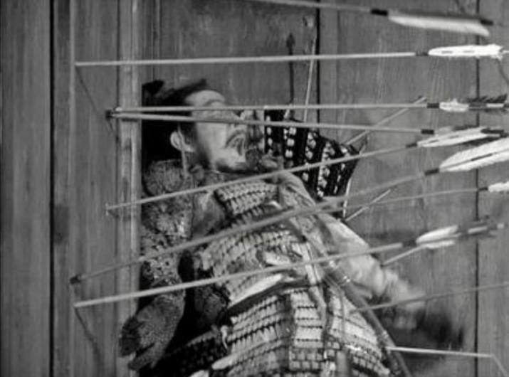 黒澤明監督映画「蜘蛛巣城」のクライマックスシーンの矢が刺さりまくるシーンの的が実は遠かった!
