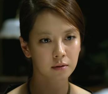 「新しき世界」の登場人物(俳優名/声優名):シヌ(ソン・ジヒョ/天野琴恵)