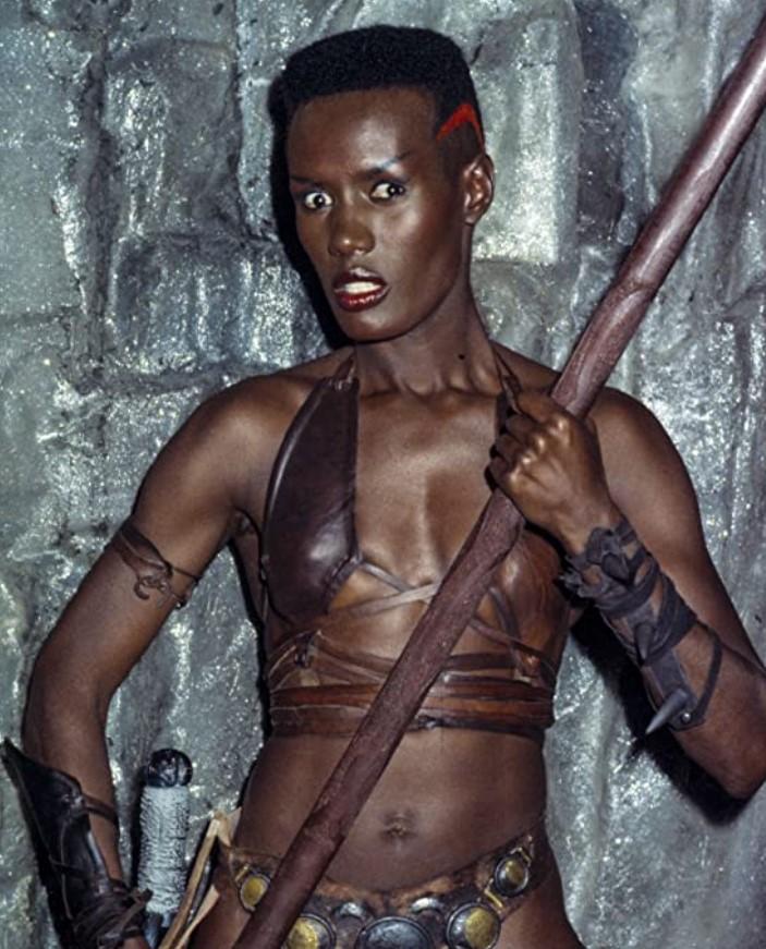 キング・オブ・デストロイヤー/コナンPART2の主要な登場人物:ズーラ(グレース・ジョーンズ)