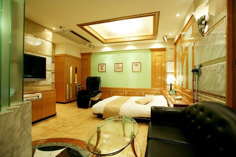 天気の子に出てきたラブホテルのモデルは池袋のHOTEL DOMANI(ホテルドマーニ)だと判明!