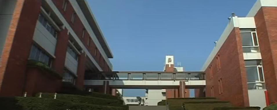 「ハチミツとクローバー」のロケ地(聖地):東京薬科大学(浜田山美術大学)